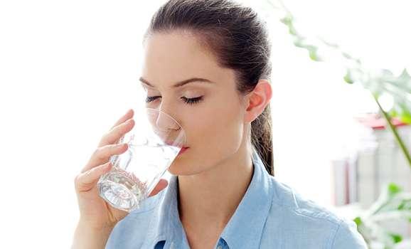 importanza-acqua-disidratazione-cover-articolo
