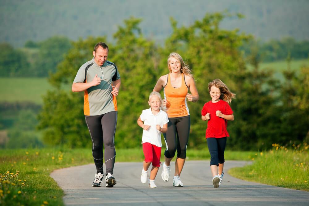 Famiglia che fa sport