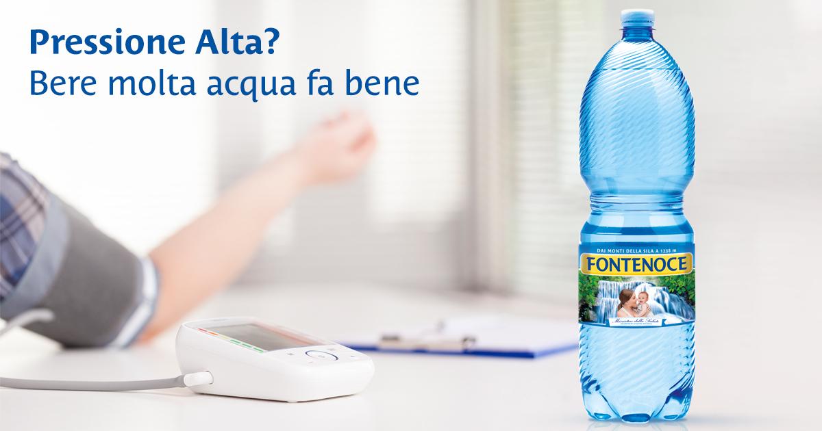 Pressione alta, bere molto fa bene - Acqua Fontenoce