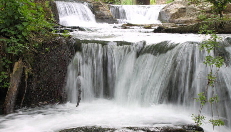 cascata acqua pura
